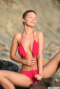 Glamorous Cecelia Wear Her Sexy Pink Bikini  02