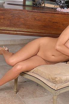 Hot Sexy Chubby Babe Nessi Boob 16