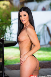 Dark Haired Beauty India Summer Gets Nude Outside 05