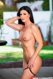 Dark Haired Beauty India Summer Gets Nude Outside 09