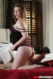 Hotwife Ella's Bull Wants To Fill Her Emptiness 02