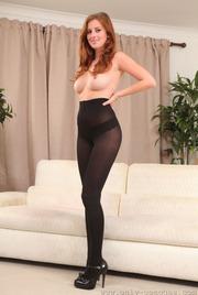 Beautiful Redhead Babe Danielle 09