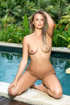 Georgie Gee Strips Off Her Swimsuit 09