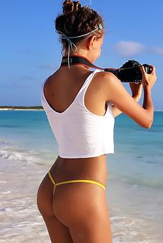 Cute Beach Girl Flashes Her Tits
