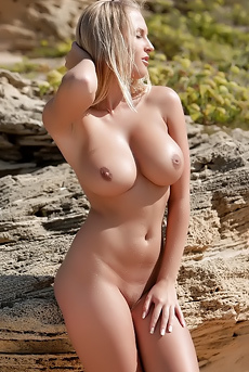 Gorgeous Pornstar Spreading Her Legs