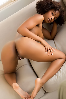 Tempting Ebony Babe Ivy Sherwood