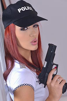 Meet The Most Sexy Police Babe Aylin Diamond