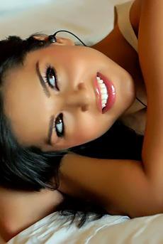 Glamour Latina Babe Sunny Leone