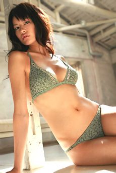 Yuriko Shiratori Beautiful Asian Glam Babe