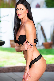 Dark Haired Beauty India Summer Gets Nude Outside