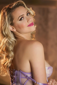Mia Malkova Feeling Pretty For You